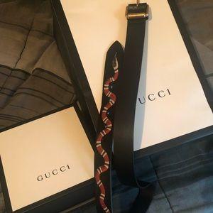 Size 32 gucci belt